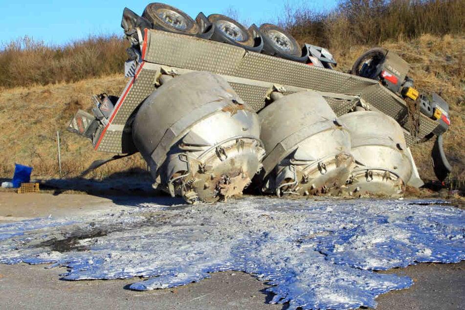Unklar ist, wie schwer der Fahrbahnbelag wirklich beschädigt ist.