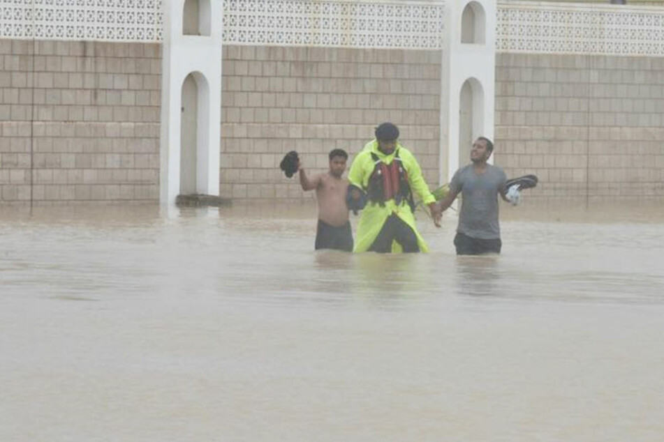 Viele Menschen wurden die Wassermassen eingeschlossen.