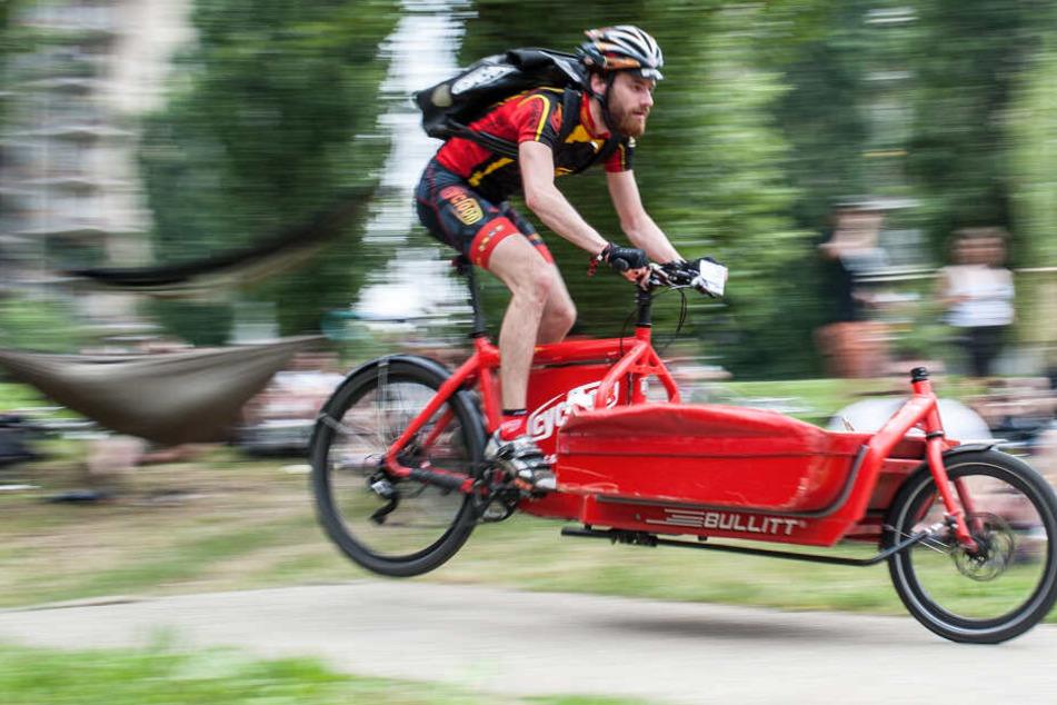 Ob irre Haustiere, verrückte Radrennen oder gepflegte Hocketse: Das ist Euer Sonntag!