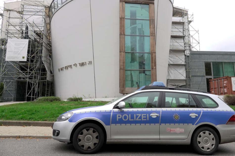 Hitlergruß vor Synagoge gezeigt: Staatsanwaltschaft erhebt Anklage