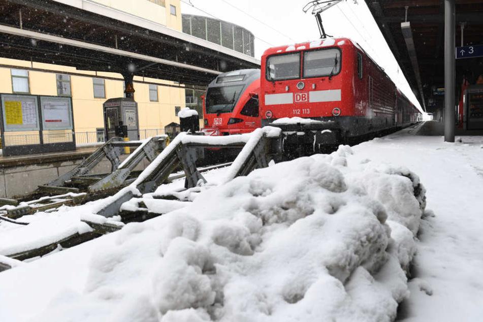 Die vier Angeklagten waren für den Winterdienst verantwortlich und hätten das Unglück wohlmöglich verhindern können (Symbolbild).