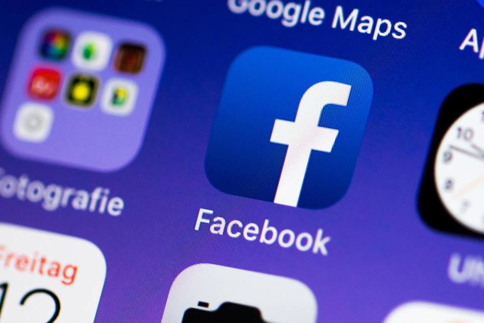 Andere Unternehmen stoppen ihre Werbung bei dem Online-Netzwerk und nehmen damit Facebooks Geldmaschine ins Visier.