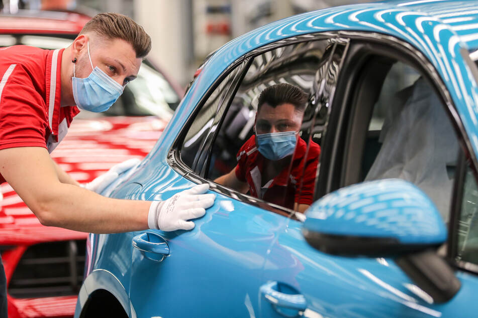 Nach der Corona-Zwangspause: Bei Porsche in Leipzig laufen wieder die Fließbänder