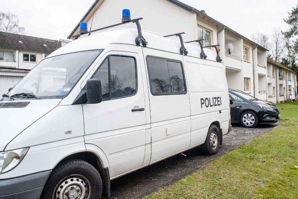 Die Spurensicherung der Polizei hatte am Tatort in Augustdorf ermittelt.