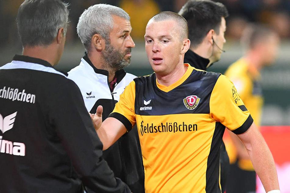 Bei Dynamos-Trainer Uwe Neuhaus (l.) ist Haris Duljevic gesetzt.
