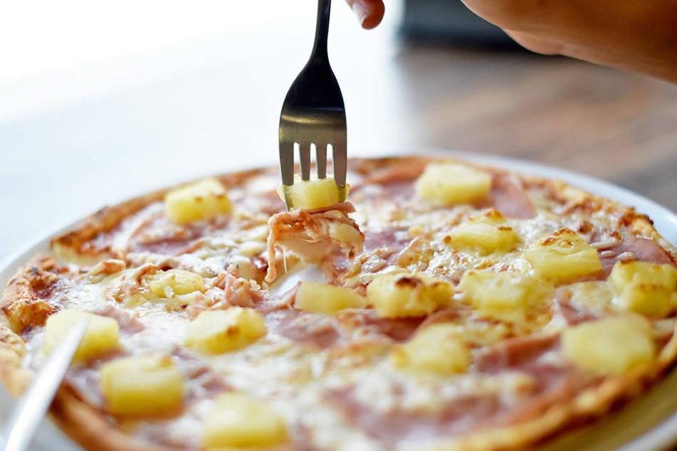 Die Bedienung einer Pizza-Kette erlebte eine angenehme Überraschung bei zwei Kunden.