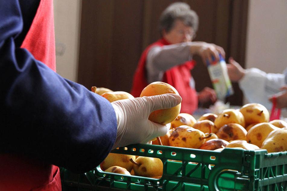 Sabine Werth gab zur Eröffnung der 46. Ausgabestelle nun bekannt, das ein Leitfaden die Entnahme von Waren durch Mitarbeiter künftig regeln soll.
