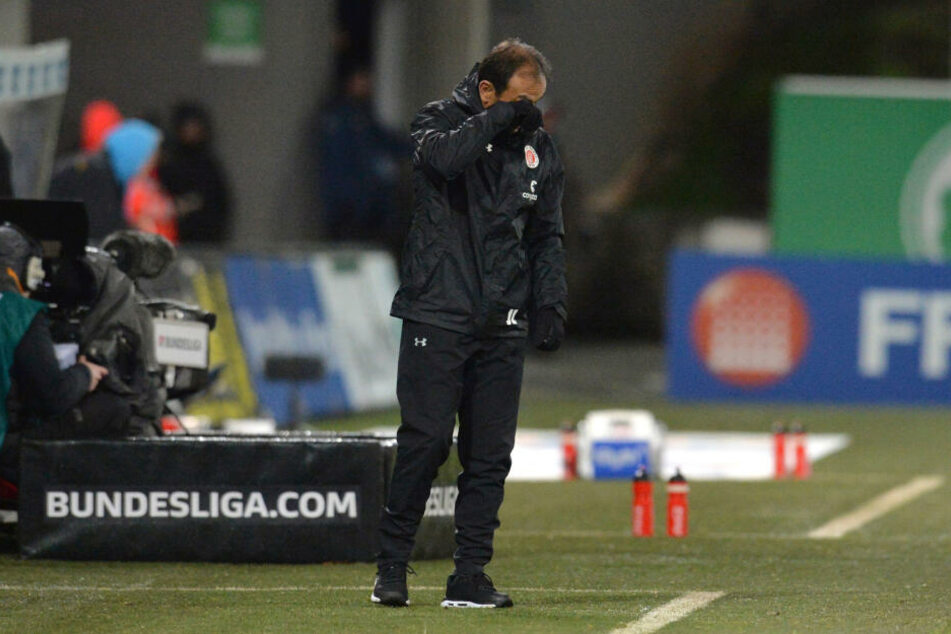 Trainer Jos Luhukay wollte gar nicht hinsehen.