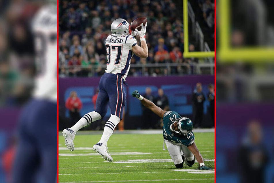 Im letzten Super Bowl unterlagen die New England Patriots den Philadelphia Eagles. Das Team aus dem US-Bundesstaat Massachusetts will mit Superstar Rob Gronkowski (29, l.) die sechste Meisterschaft in der Vereinsgeschichte holen.