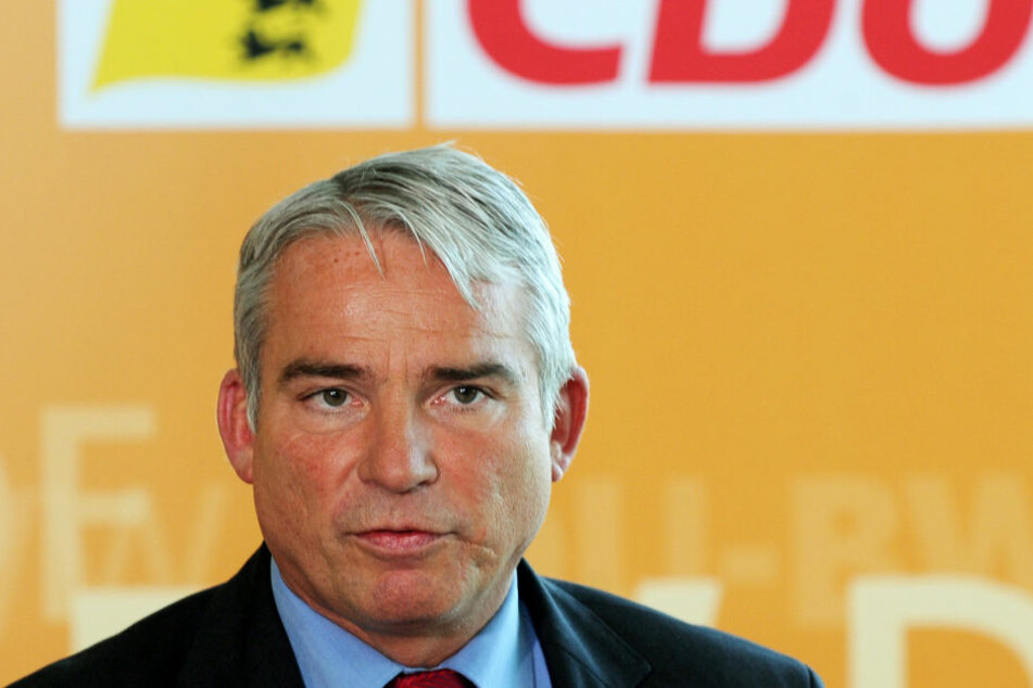 Nach Innenminister Thomas Strobl (CDU) legen Beamte bei Abschiebungen den Fokus auf Gefährder. (Symbolbild)
