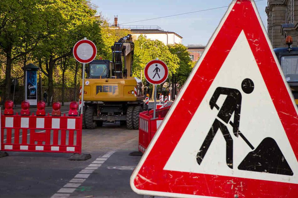 Wegen einer Baustelle ist die Pfaffendorfer Straße von Freitagabend bis Montagmorgen einseitig gesperrt. (Symbolbild)