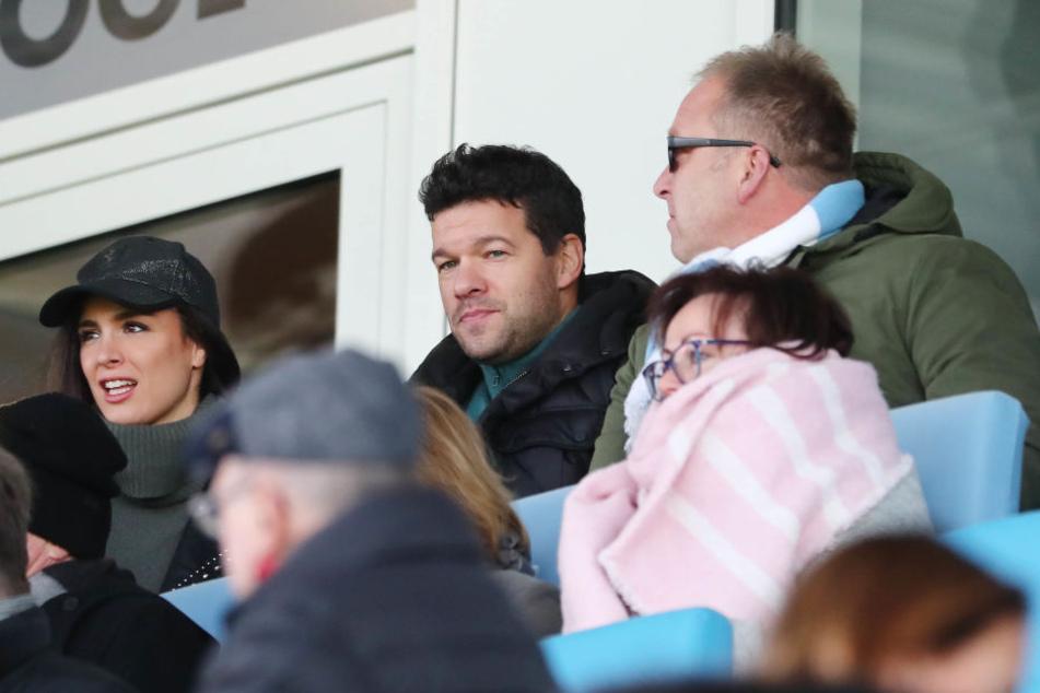Freundin von Michael Ballack Natacha und Michael Ballack (m.) zu Gast im Stadion an der Gellertstaße.