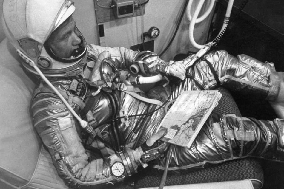 John Glenn bei der Vorbereitung zur Weltumrundung 1962.