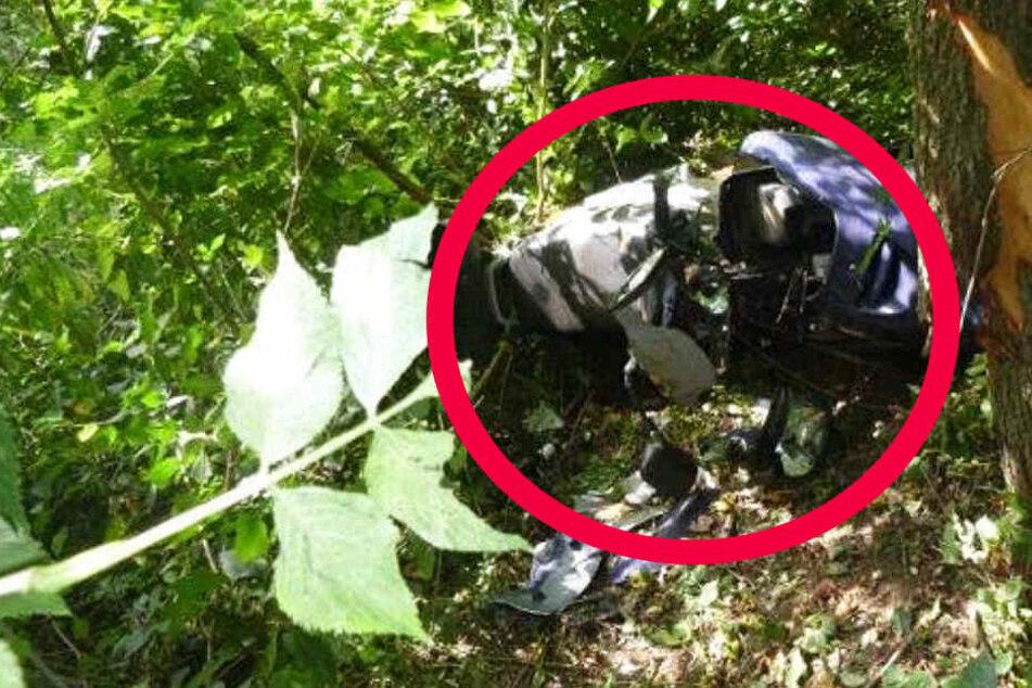 Dieses Foto der Polizei zeigt das Wrack des verunglückten Yamaha-Rollers.