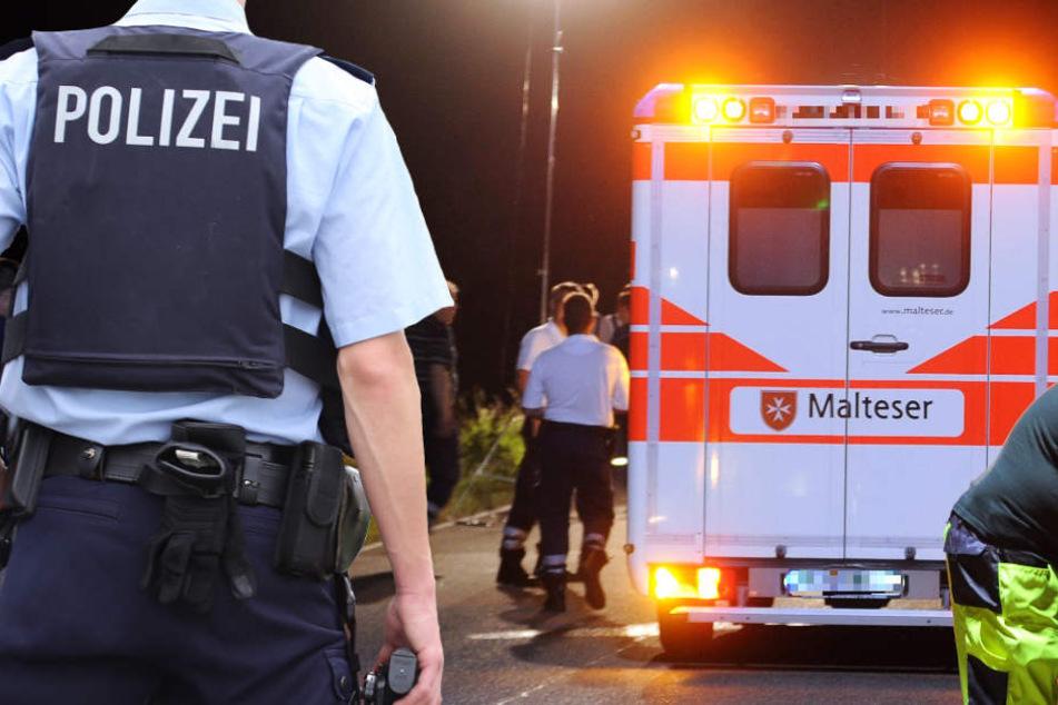 Der Rettungsdienst versorgte die Verletzten und brachte sie fort (Symbolbild).