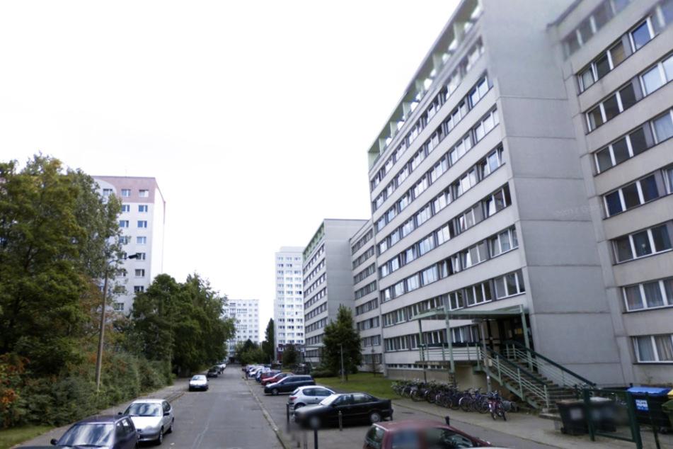 Die Tarostraße im Leipziger Zentrum-Südost. Hier wurde in der Nacht zu Freitag ein 31-Jähriger durch ein Messer schwerst verletzt.