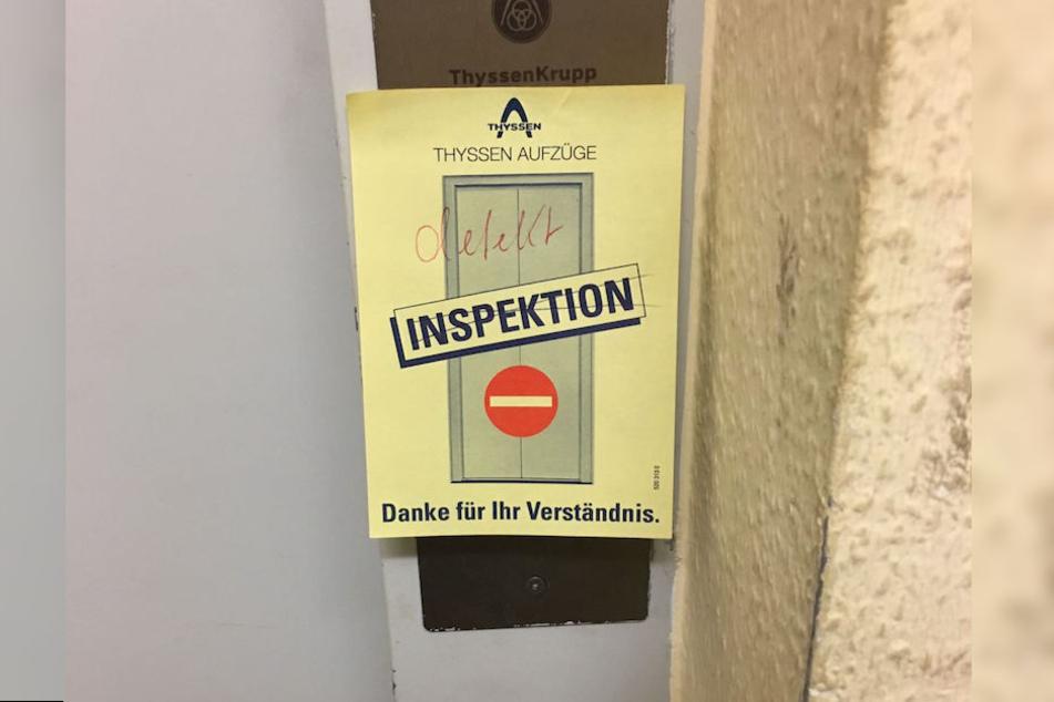 Seit mehreren Tagen ist der Fahrstuhl defekt.