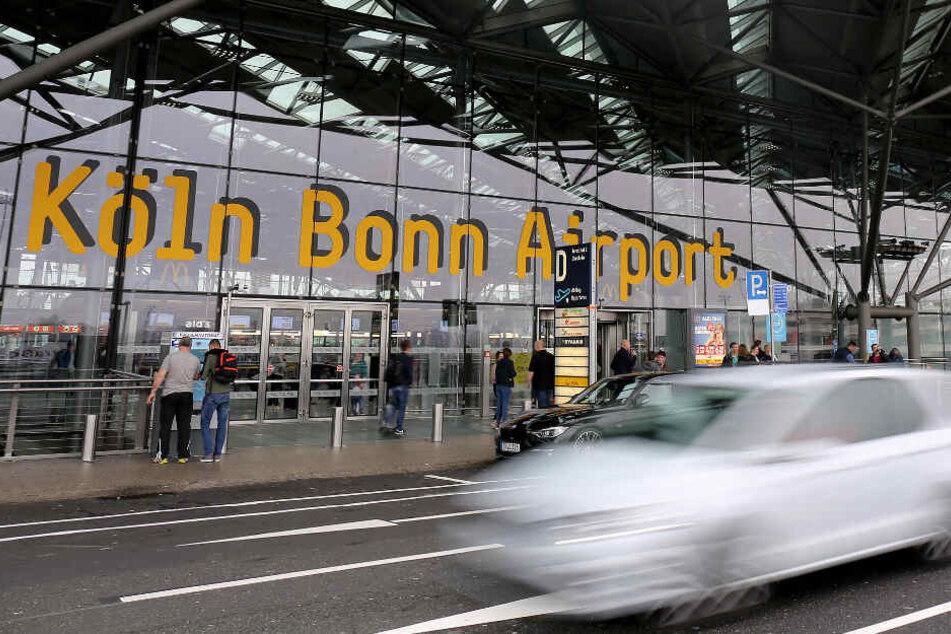 Vergleich in Deutschland: Irre Parkgebühren am Kölner Airport-Terminal