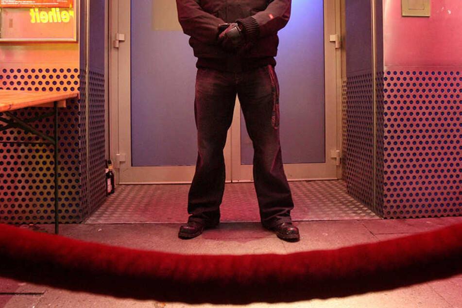 Der Türsteher machte nur seinen Job und wurde dafür bestraft. (Symbolbild)
