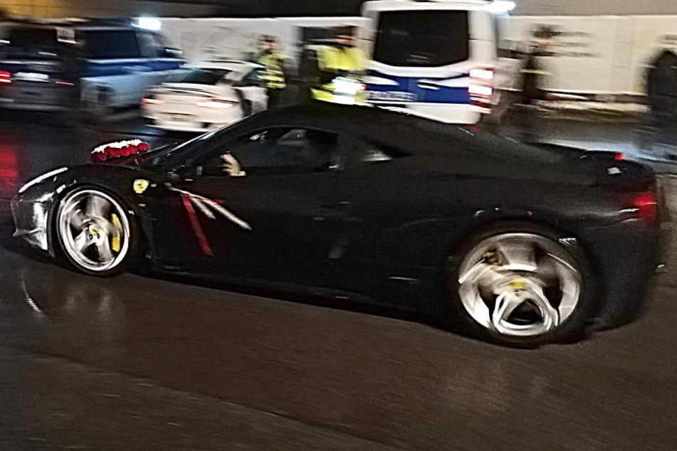 Auch der Hochzeitswagen wurde von der Polizei kontrolliert.