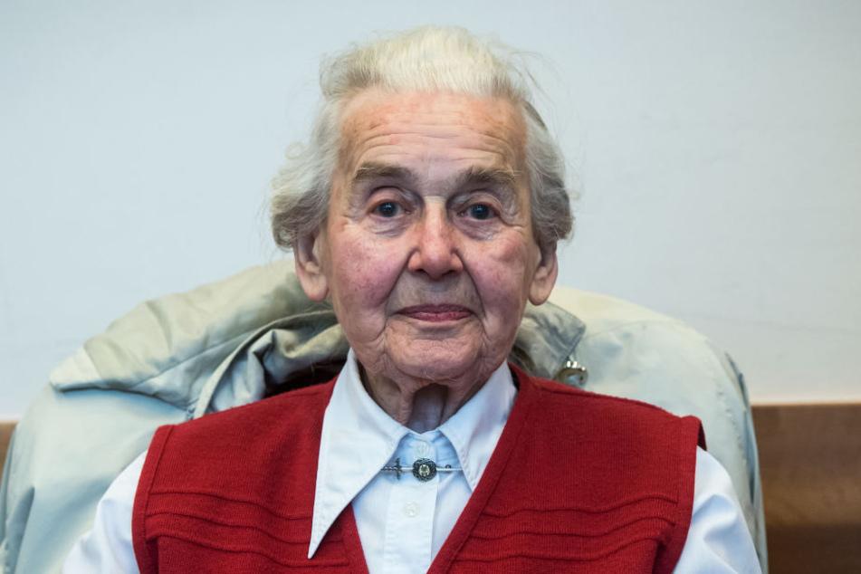 Im Mai wurde Ursula Haverbeck zu mehr als zwei Jahren Haft verurteilt. Seitdem sitzt sie in der JVA Bielefeld-Brackwede. Im September muss sie zu einem Berufungsprozess nach Hamburg.