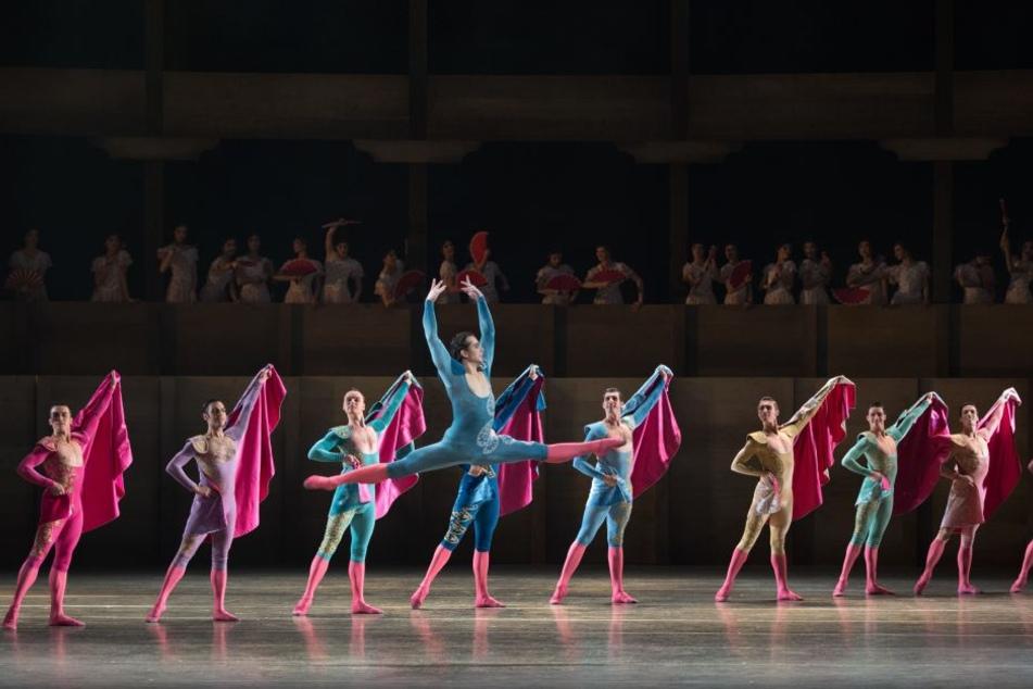 """Der unagrische Tänzer István Simon (30) - hier in """"Don Quixote"""" - gehört seit 2007 dem Ensemble des Semperoper-Ballett an, seit 2013 als Erster Solist."""