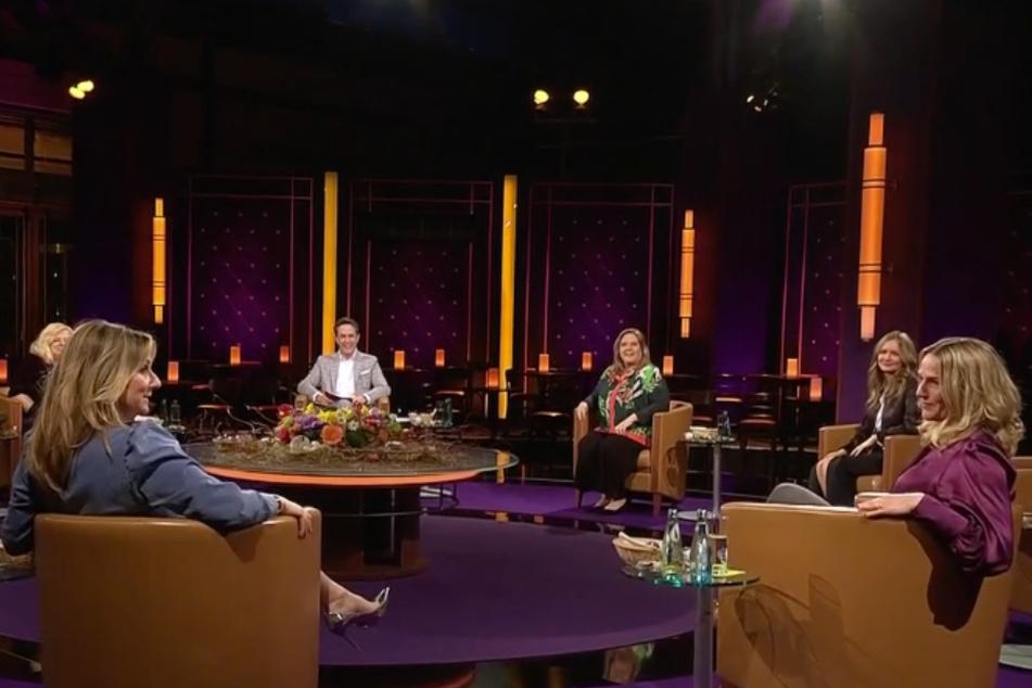 Im Gespräch mit Moderatorin Kim Fisher (51, l.): Schauspielerin Tanja Wedhorn (49, r.) war am Freitagabend zu Gast im MDR-Riverboat.