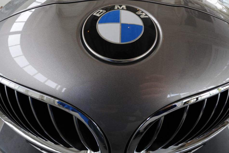Der Dieb stahl einen silberfarbenen BMW der 3er-Reihe (Symbolbild).