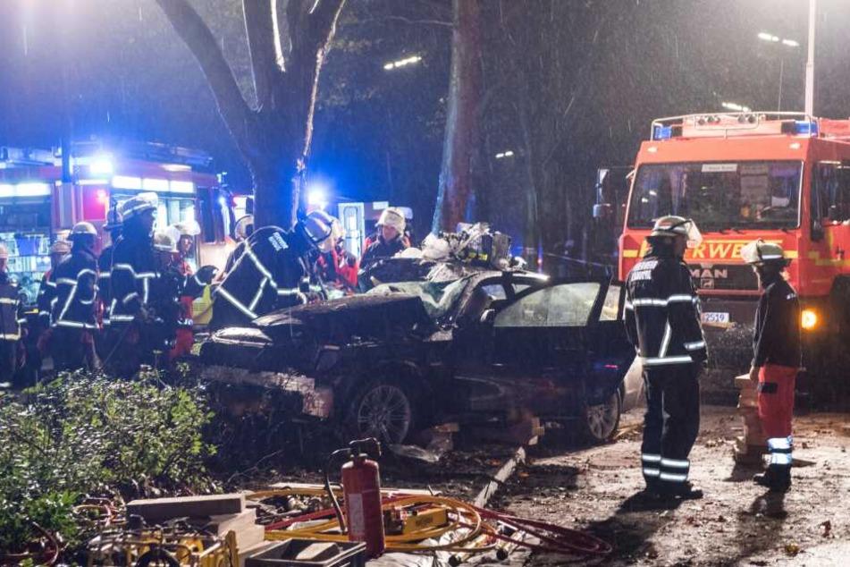 Illegales Autorennen in Hamburg: Zwei Männer weiter in Lebensgefahr
