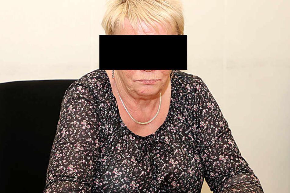 Gisela B. (70) muss sich seit Montag vor dem Landgericht als Brandstifterin verantworten.