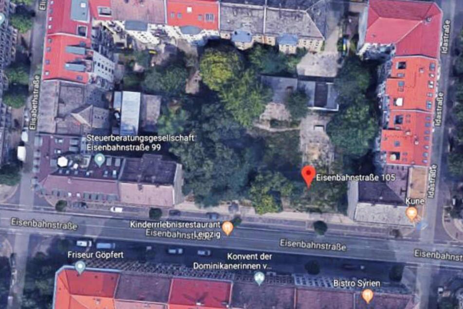 Diese Brachfläche an der Eisenbahnstraße wird am Montag im Amtsgericht zwangsversteigert.