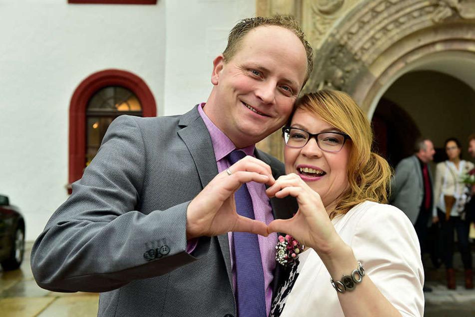 Conny Hartmann und Mario Sonntag gaben sich im Oktober das Ja-Wort im Rathaus - mit 864 anderen Chemnitzer Paaren im vergangenen Jahr.