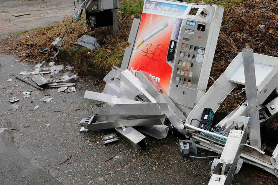 Zigarettenautomat gesprengt: Polizei sucht Zeugen