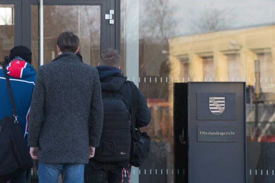 Der Prozess gegen die Terrorgruppe findet am Oberlandesgericht in Dresden statt.