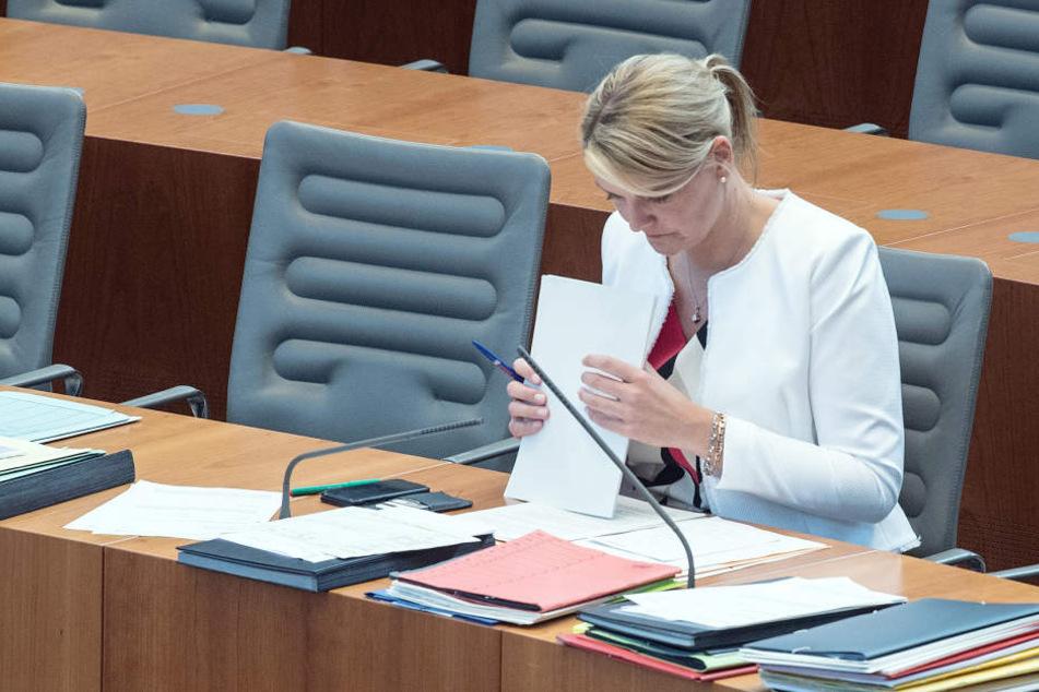 Als erste Zeugin vernimmt der Ausschuss am Montag dazu die 42-jährige Schulze Föcking selbst.