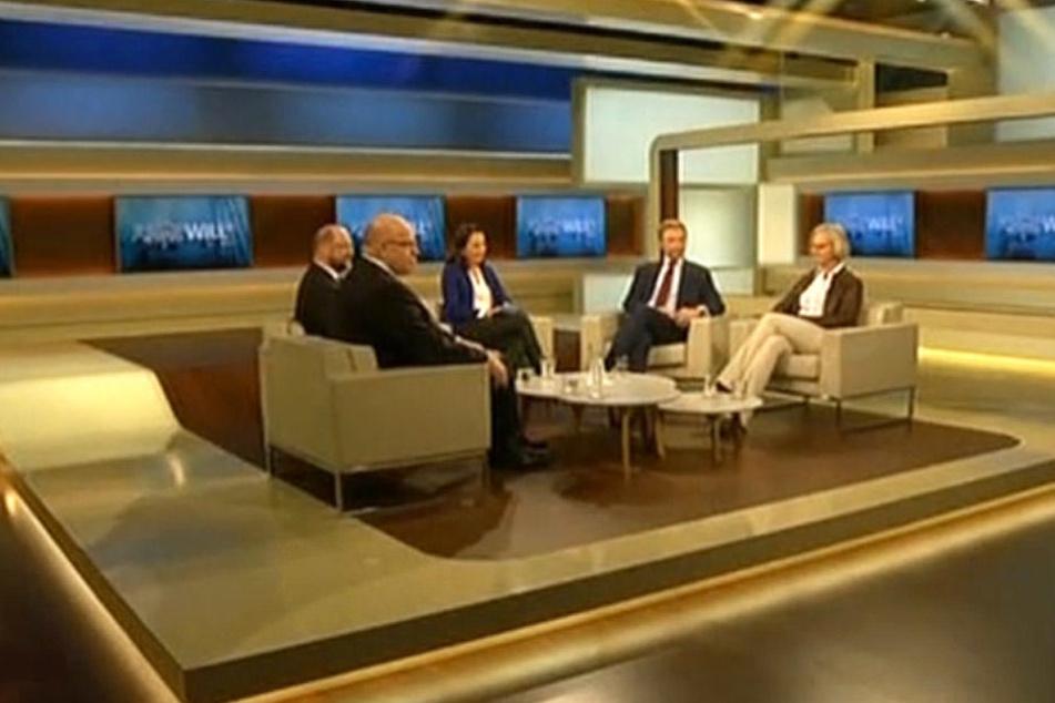 Die Expertenrunde kurz vor Beginn der Sendung.