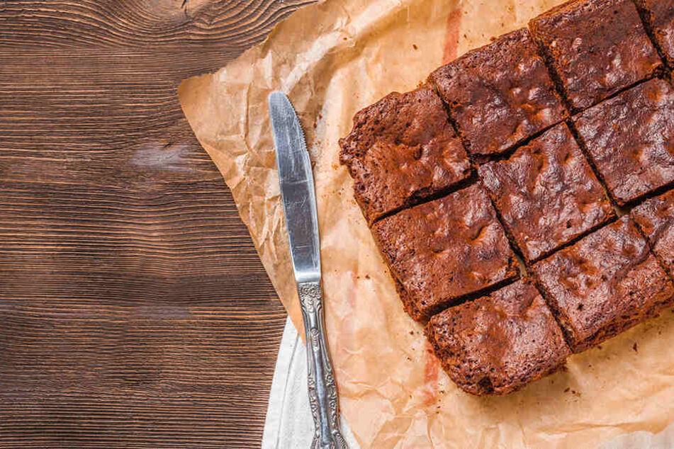 Angestellte bringt Büro-Brownies mit und wird gefeuert: Das ist der Grund