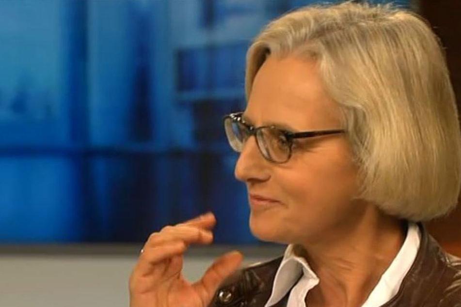 Die Leiterin des Spiegel-Hauptstadtbüros, Christiane Hoffmann, bei der Diskussion.