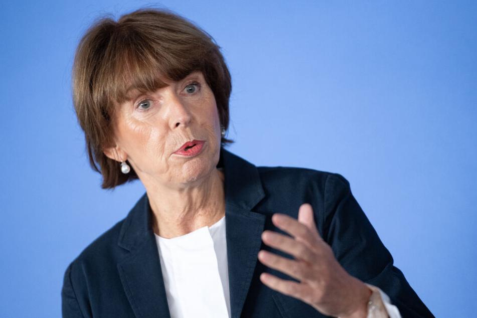 Die Kölner Oberbürgermeisterin Henriette Reker (62) setzt auf einen Luftreinhalteplan ohne Fahrverbote für Diesel.