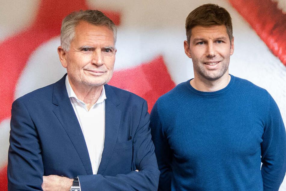 VfB-Präsident Wolfgang Dietrich (links im Bild) und Sportvorstand Thomas Hitzlsperger besuchten in dieser Woche vier Regionalkonferenzen von offiziellen Fanclubs. (Archivbild)