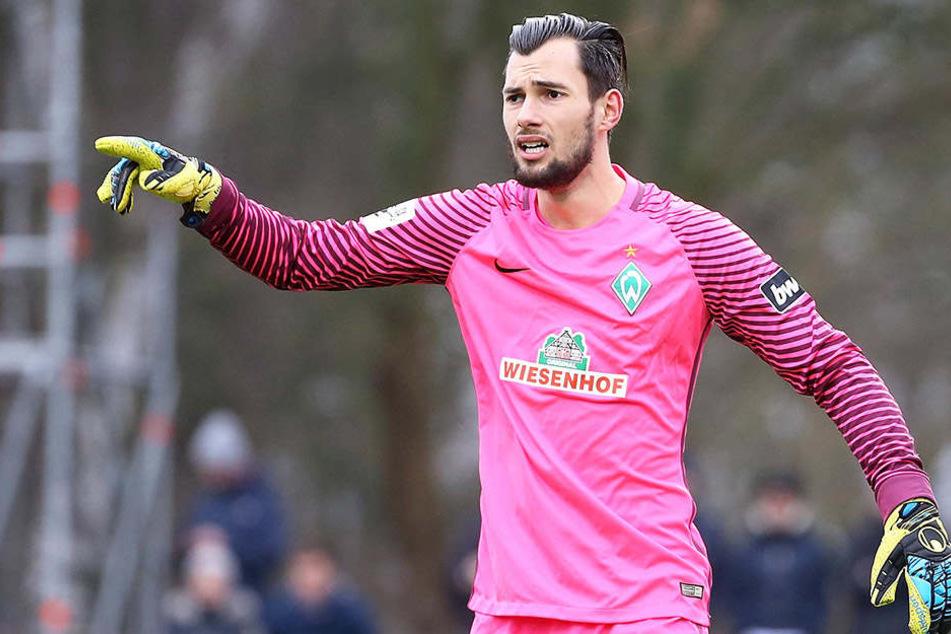 Werder-Keeper Eric Oelschlägel agierte in den letzten Minuten gegen Zwickau als Stürmer.