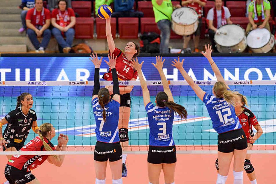 In Stuttgart mussten die DSC-Damen eine herbe 0:3-Niederlage einstecken.