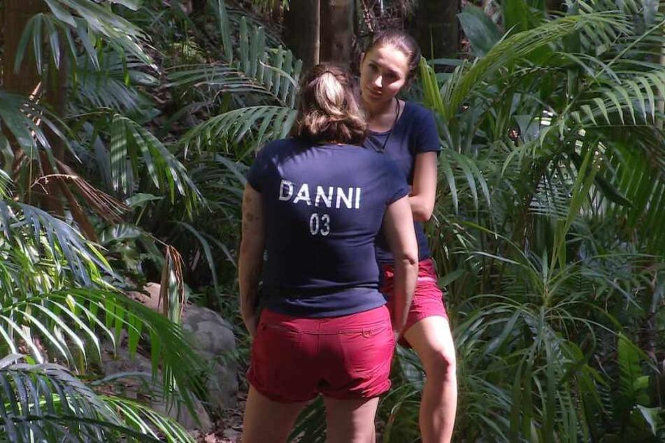 Danni und Bunny führen klärende Gespräche.
