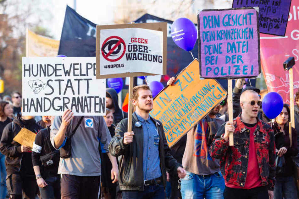 Gegen das neue Polizeigesetz gab es massive Proteste - wie hier Anfang der Woche in Dresden.