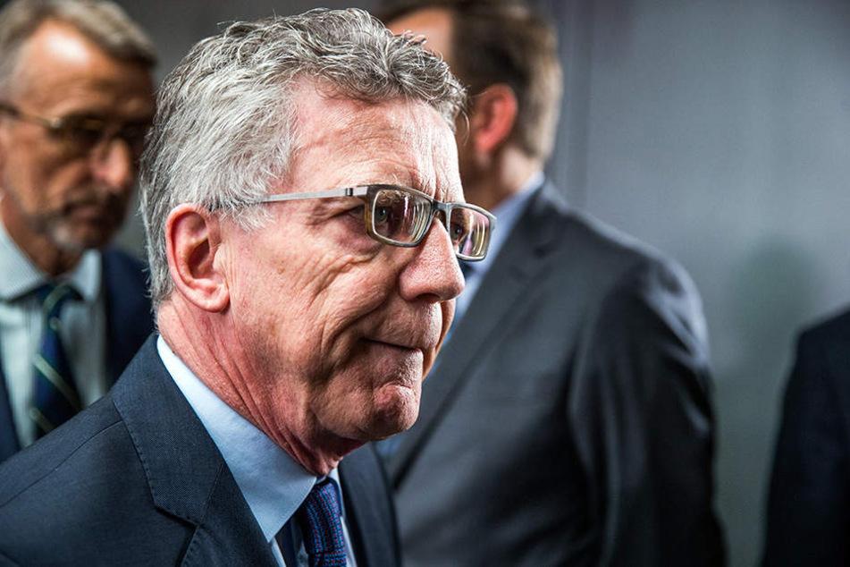 Der frühere Bundesinnenminister Thomas de Maizière (CDu) vor einer Sondersitzung des Innenausschuss des Bundestags zur Bamf-Affäre am 15. Juni 2018.