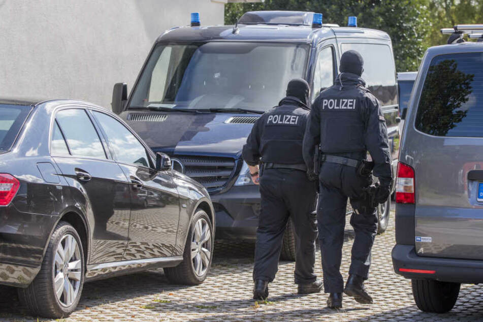 Polizei durchsucht Haus in Erfurter Stadtteil nach Waffen und Sprengstoff