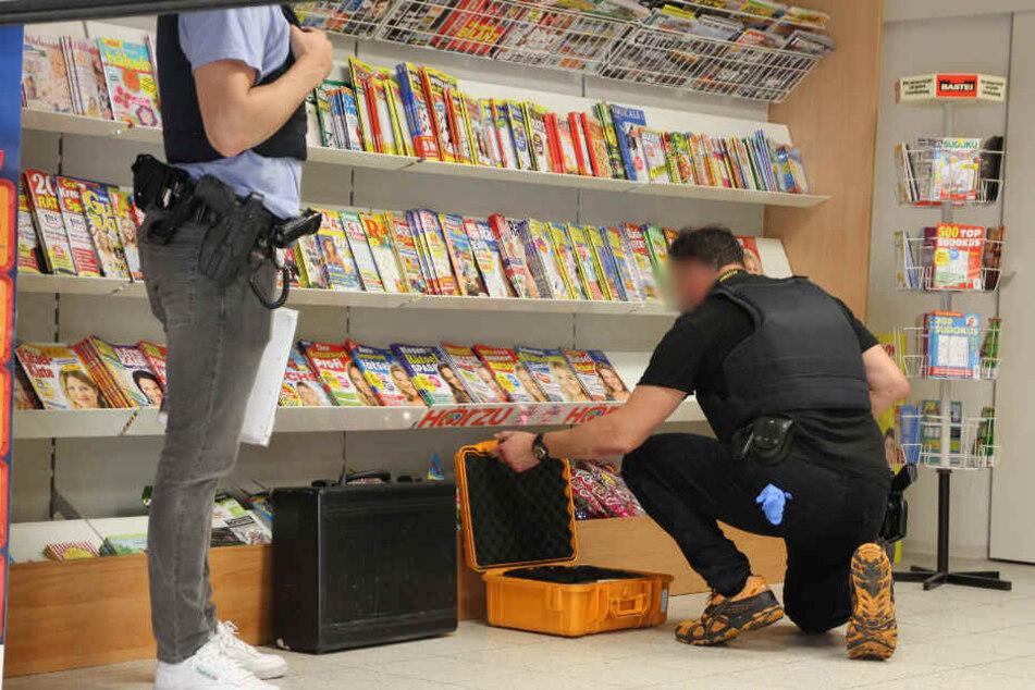 Die Polizei sicherte sich am Tatort spuren.