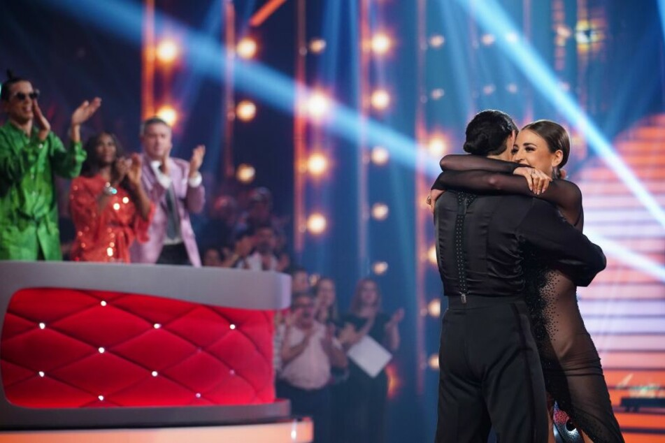 """Ekaterina Leonova und Massimo Sinatò gewannen bei """"Let's Dance – die große Profi-Challenge""""."""