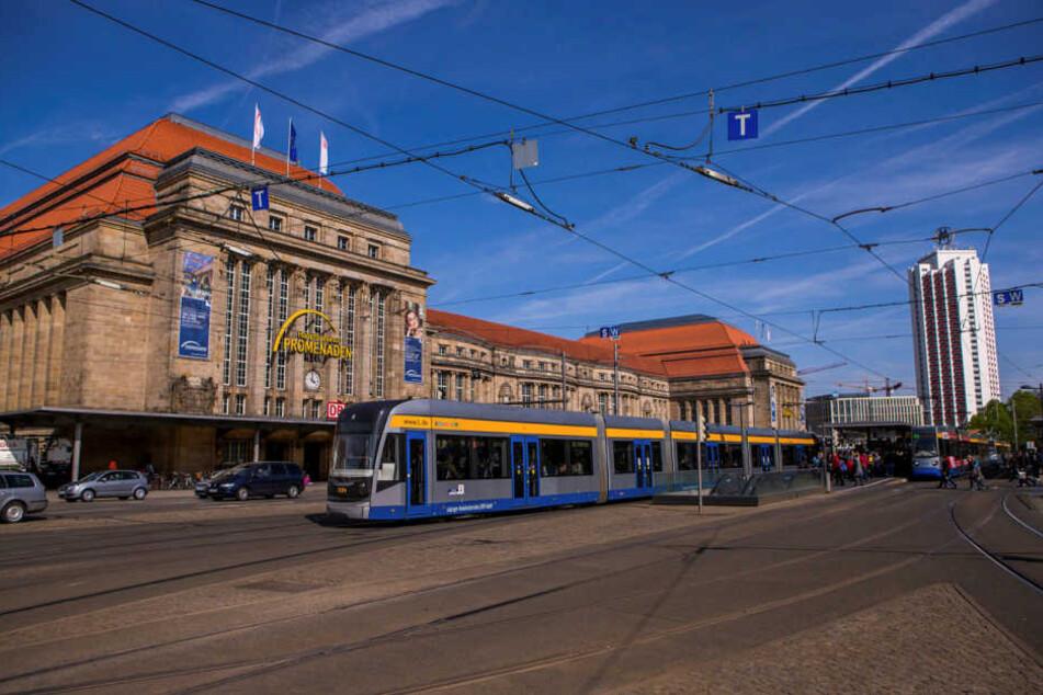 Das größte Nadelöhr im neuen Verkehrskonzept wird der Bereich vor dem Hauptbahnhof. Hier wird es schon jetzt ohne die Fahrräder oftmals eng und brenzlig.