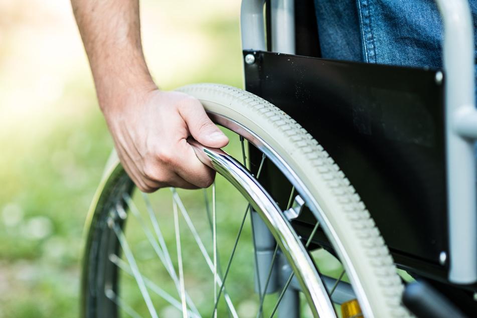 Stundenlange Suche: Rollstuhlfahrer im Erzgebirge vermisst